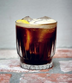 Østersø Cola, a unique craft cocktail from Lidkoeb - one of the best cocktail bars in Copenhagen, photo by Alexander Banck Petersen