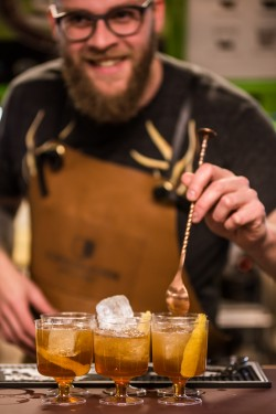 Sune Urth serving Cloverfield Coller with coffee liqueur from Copenhagen Distillery