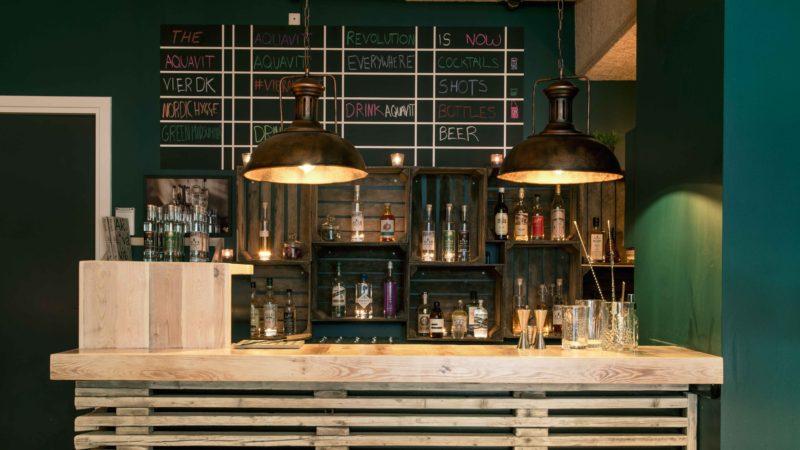 Rastløs akavit bar